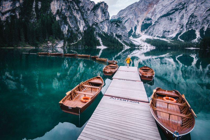 Lago di Braies boats