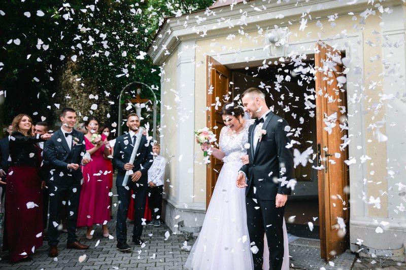 Zdjęcie ślubne konfetti Karolina i Darek